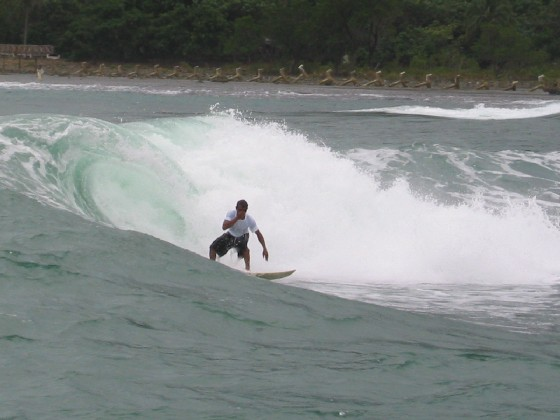 Surfing Cemento Beach